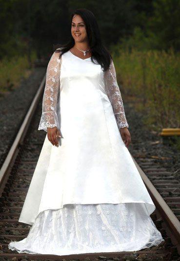 Brautmode und Styling in XXL, Brautkleider in großen Größen ...