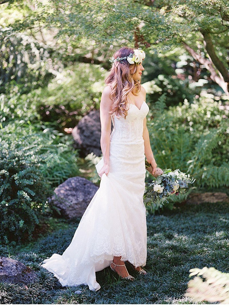 stephanie  brett first look bohemian wedding 0021