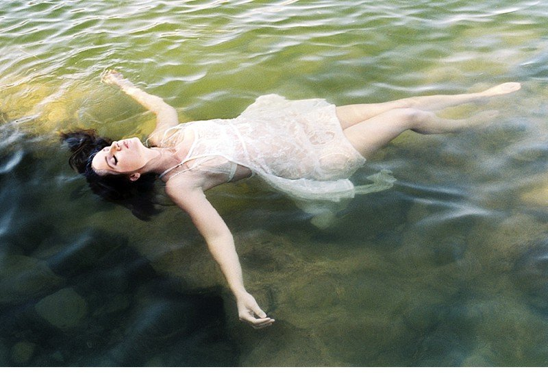 amber lake bridal boudoir 0008