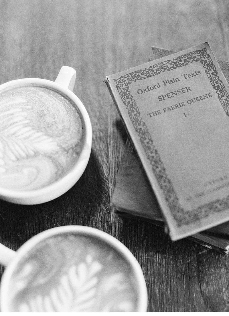 tay reagan coffeeshop love 0001