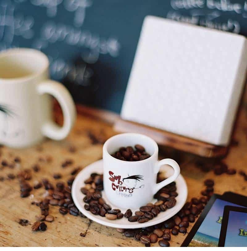 tay reagan coffeeshop love 0003