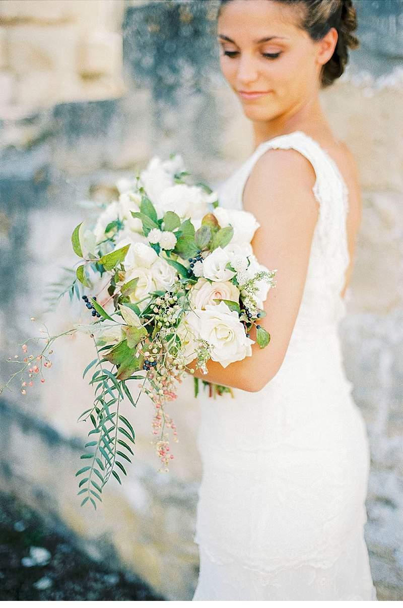 elegant-french-abbey-wedding-inspiration_0011