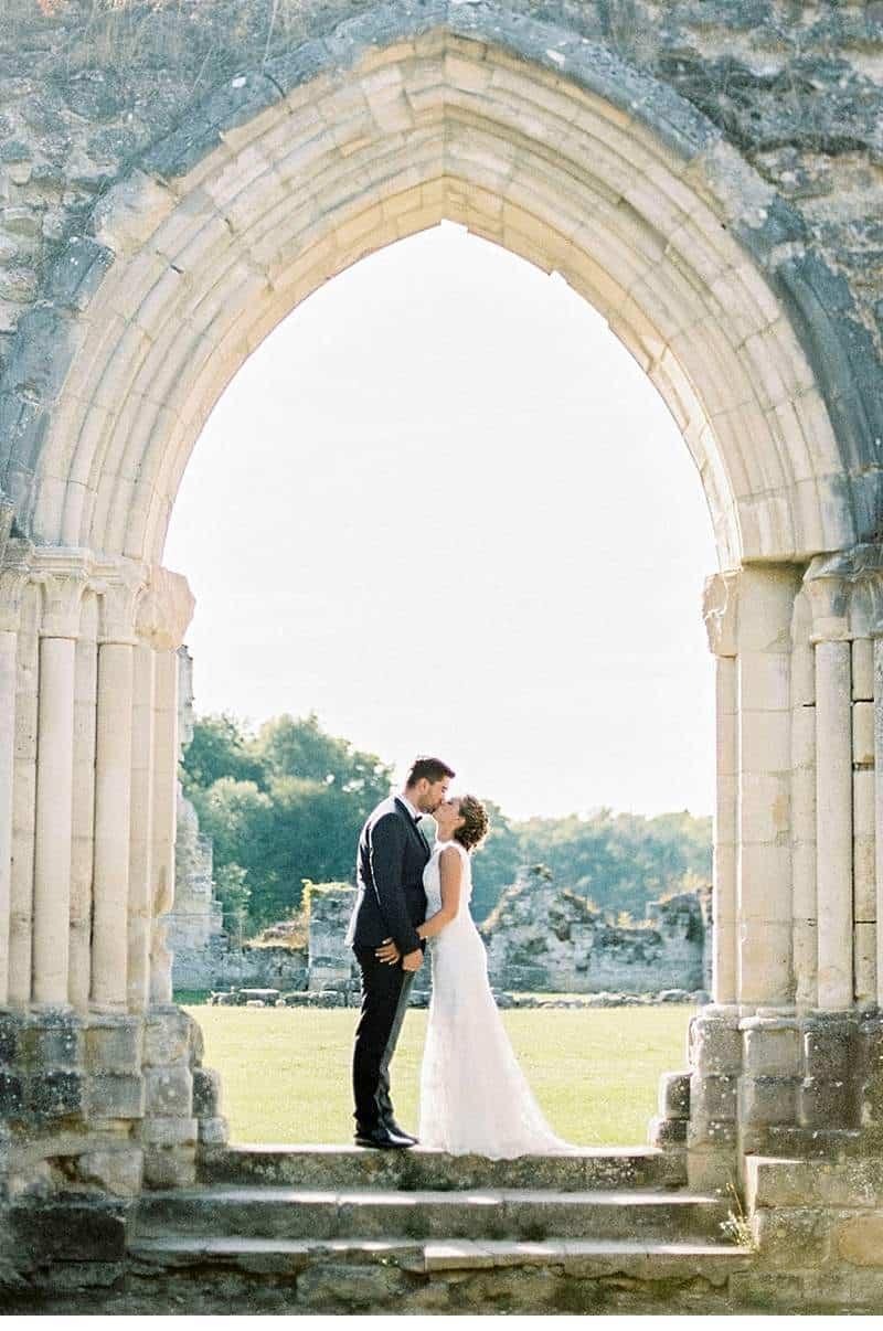 elegant-french-abbey-wedding-inspiration_0015