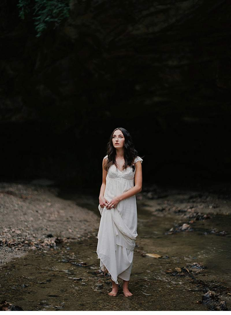 moody-cave-bridal-shoot_0015