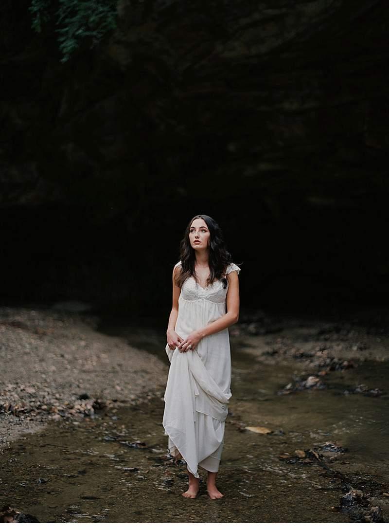 moody-cave-bridal-shoot_0015