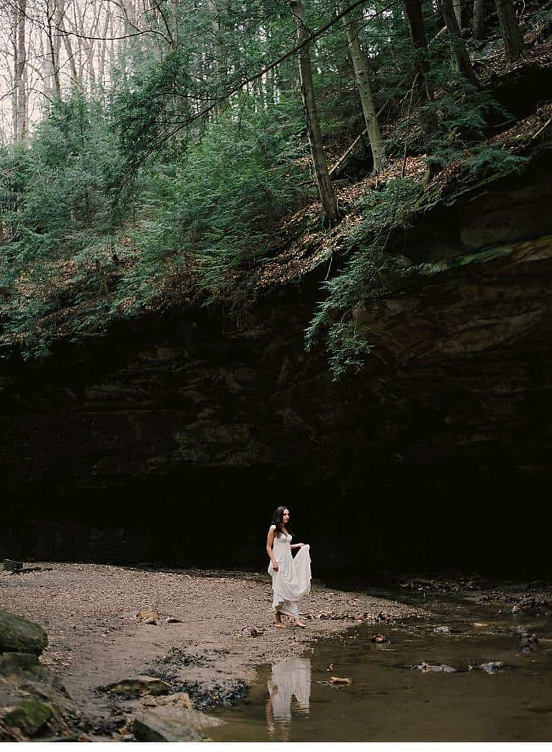 moody-cave-bridal-shoot_0023a