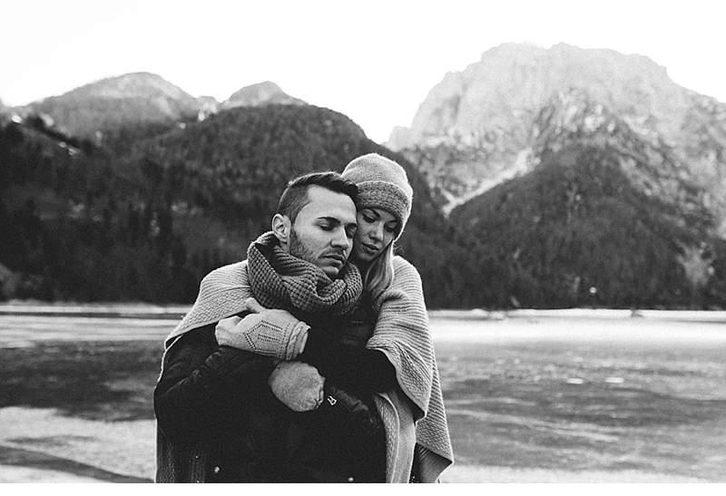melanie-nebojsa-paarshooting-bergsee-kaernten_0004a