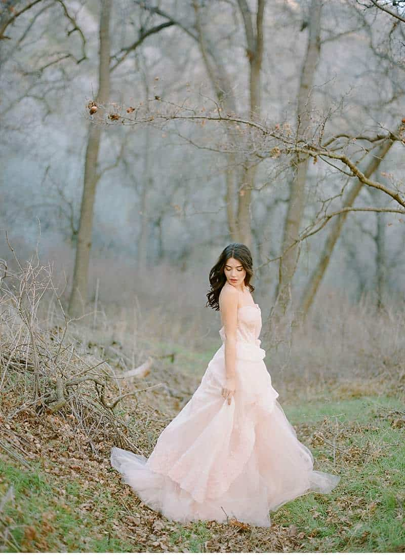 california-ranch-burgundy-wedding-inspiration_0015