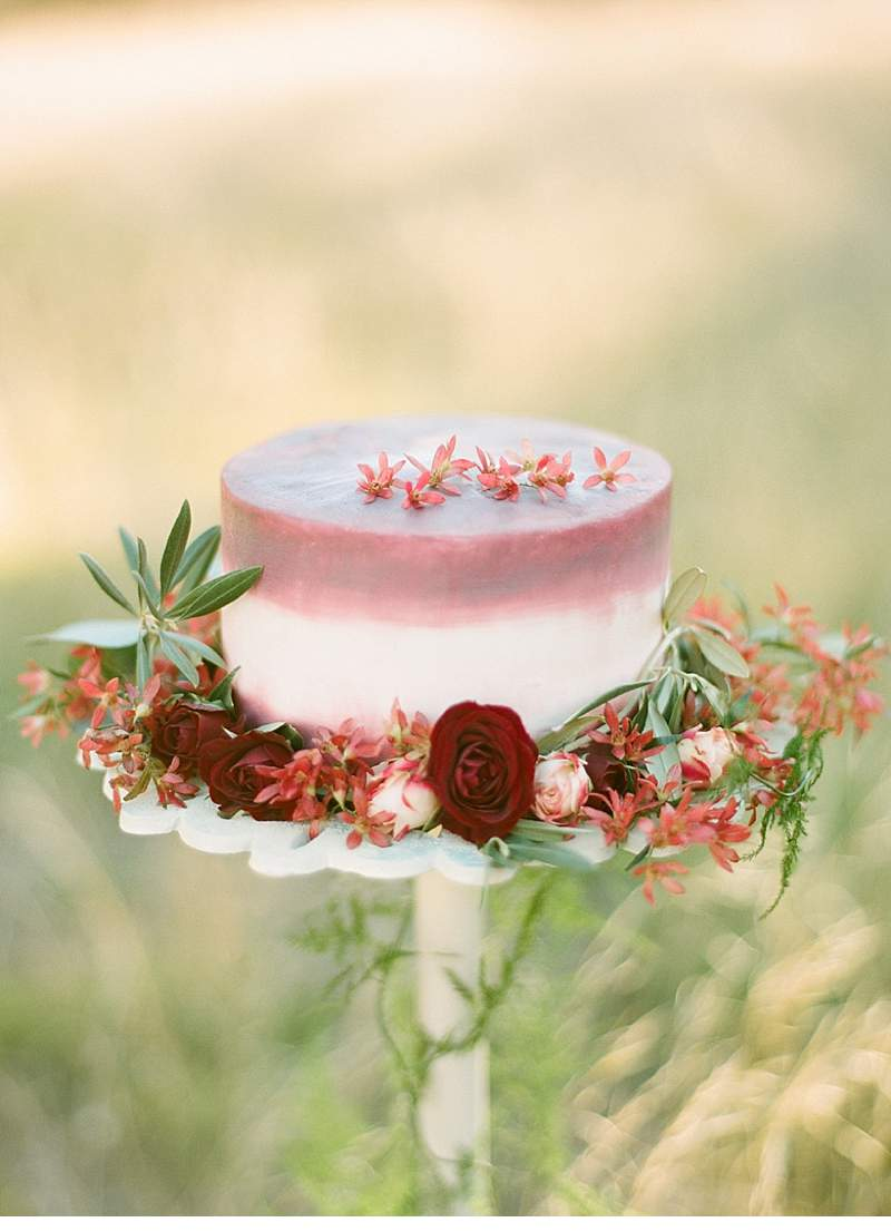 california-ranch-burgundy-wedding-inspiration_0018