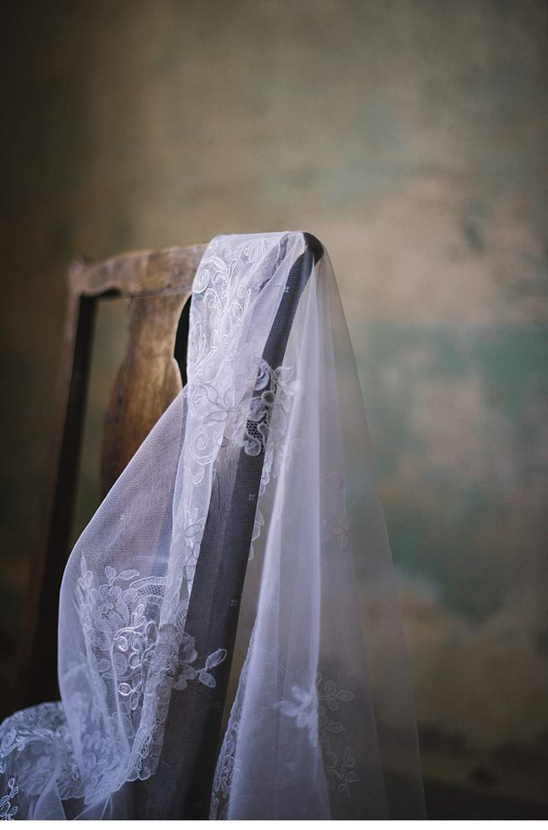chapel-evening-bridal-shoot_0007