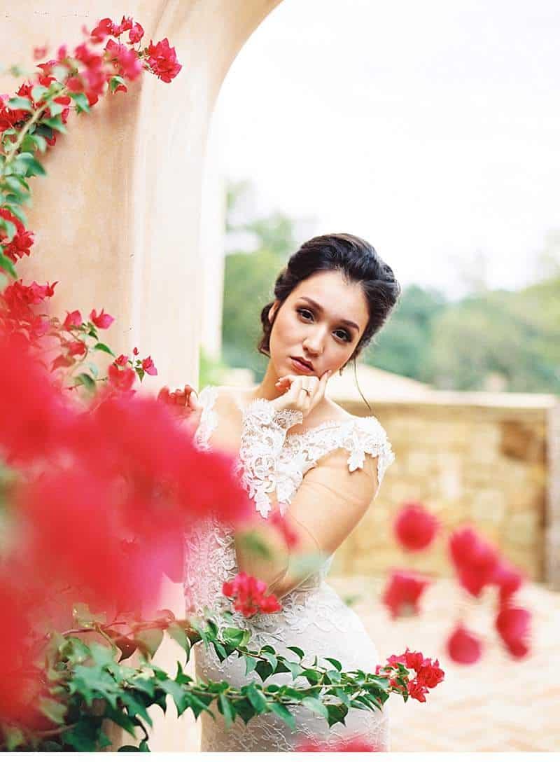 creamy-terra-cotta-arches-wedding-inspirations_0016a