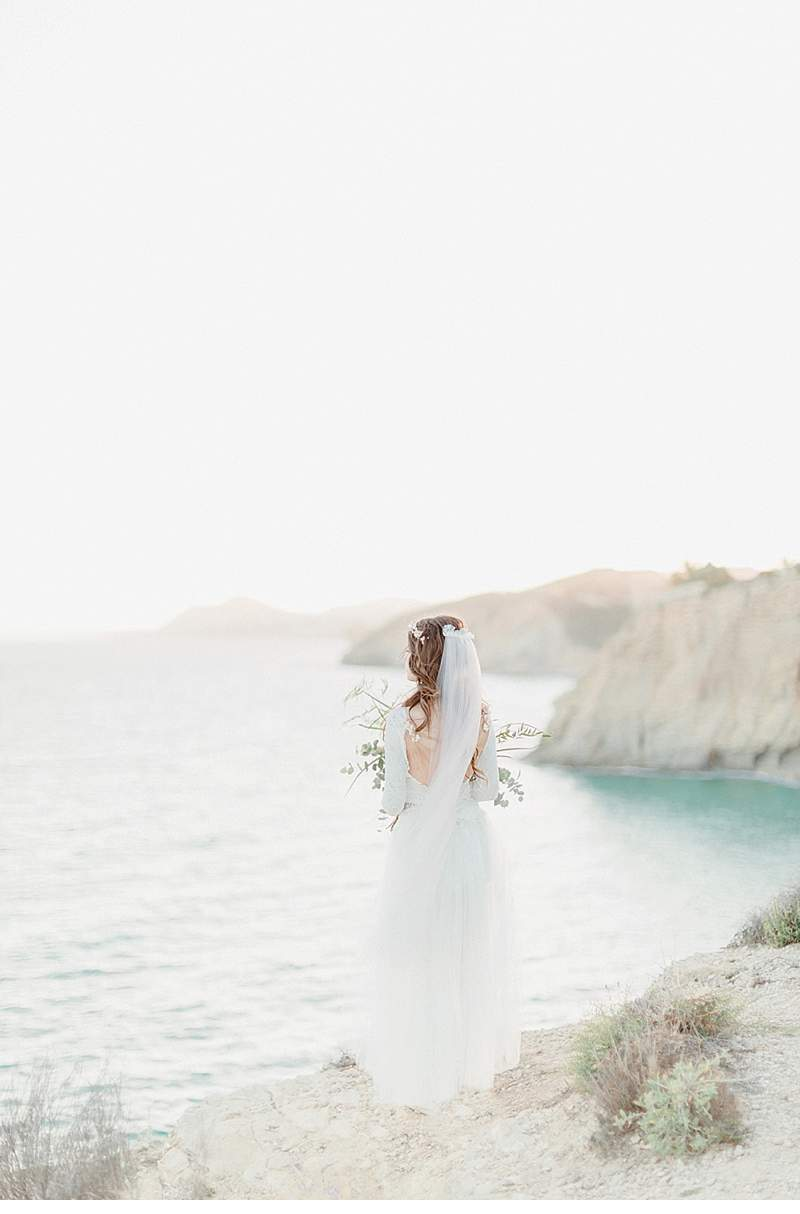spanish-cliff-bride_0020a