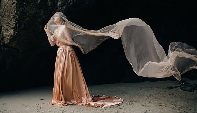 Spuren im Sand – Emily Riggs Braut Session von M.K. Sadler Photography