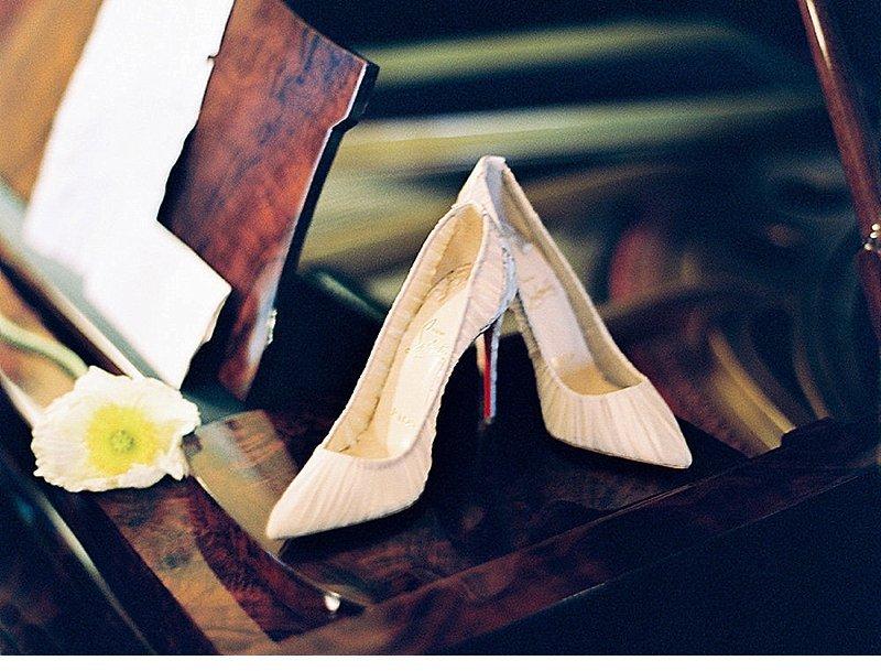 bridal-getting-ready-villa-rochetta-italy_0022a