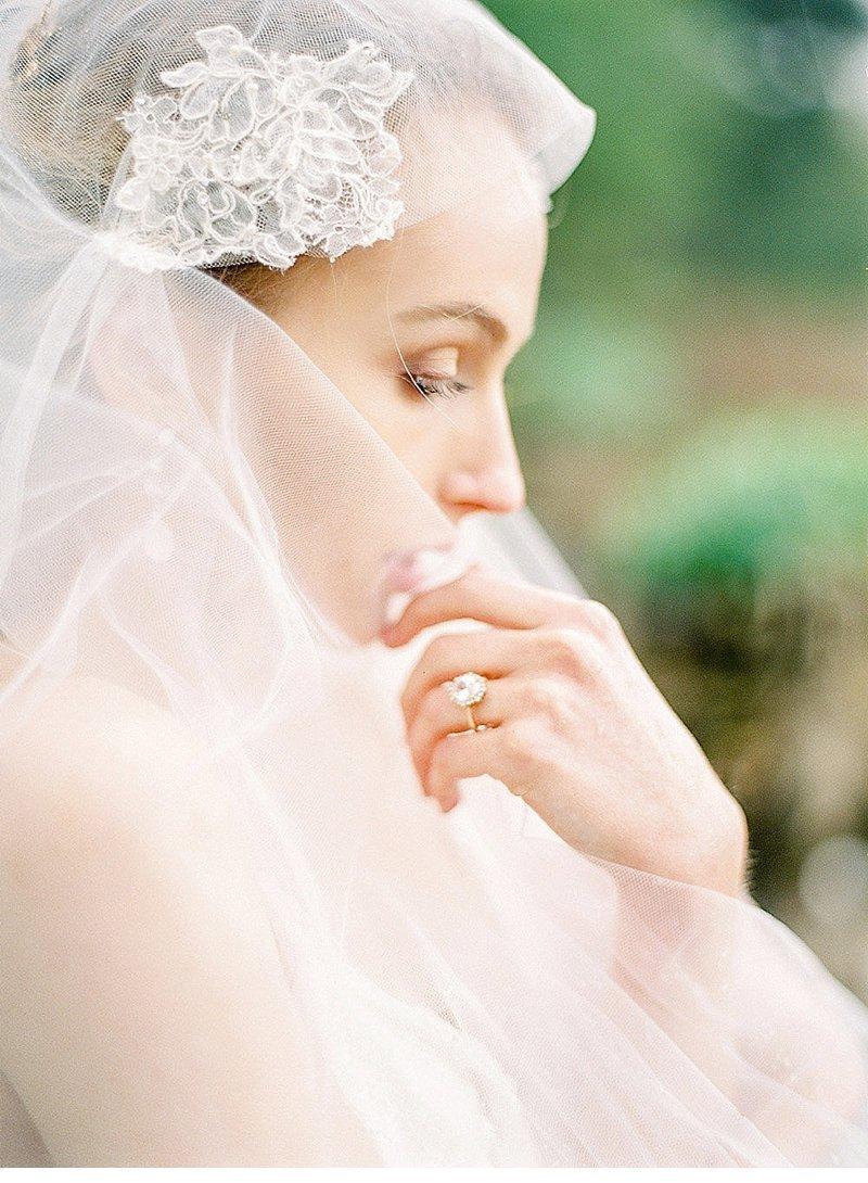 bridal-getting-ready-villa-rochetta-italy_0035a