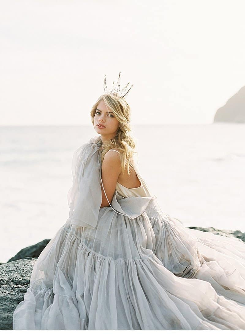 Enchanting Bridal Inspirations on the Hawaiian Coast by Inga Avedyan ...