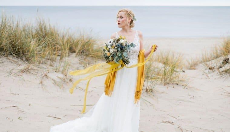 Strandinspirationen in Senfgelb Tönen von Michaela Brandl