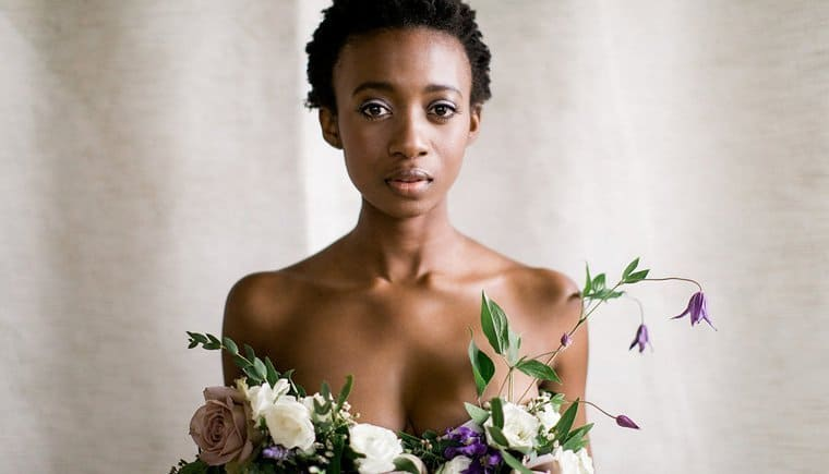 Florales Braut Boudoir Editorial von Christina Bernales Photography