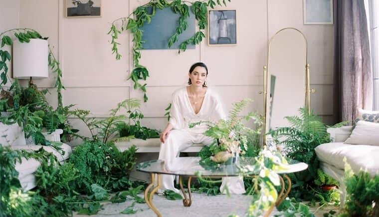 Blühende Brautinspirationen – modern und minimalistisch