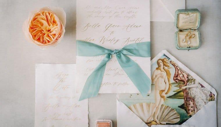 Fine Art Bridal Boudoir in Mint und Peach von Vivid Symphony